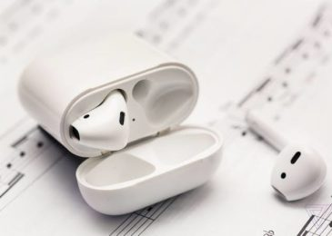Idea dependent on most latest leaks envisions Apple's new in-ear AirPods